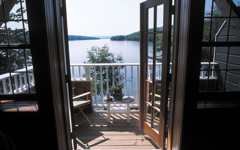 Church Landing Deluxe Lakeview King with Sofa Sleeper and Balcony